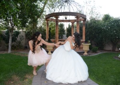 Outdoor quinceanera photo shoot at Garden Tuscana